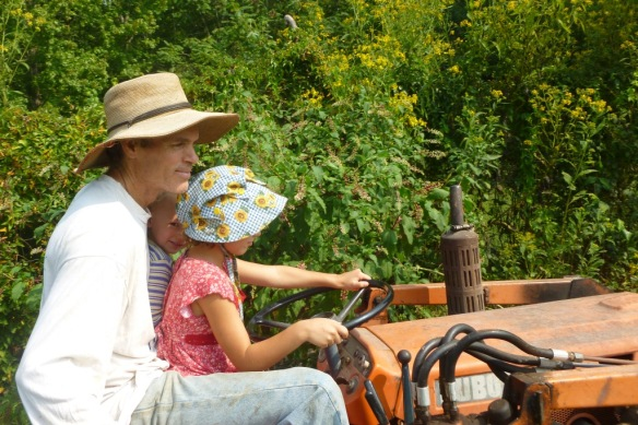 funny family tractor